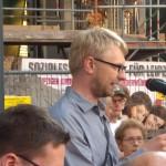 DGB-Chef Erich Wolf dankt den mutigen Engagierten für ihren Einsatz